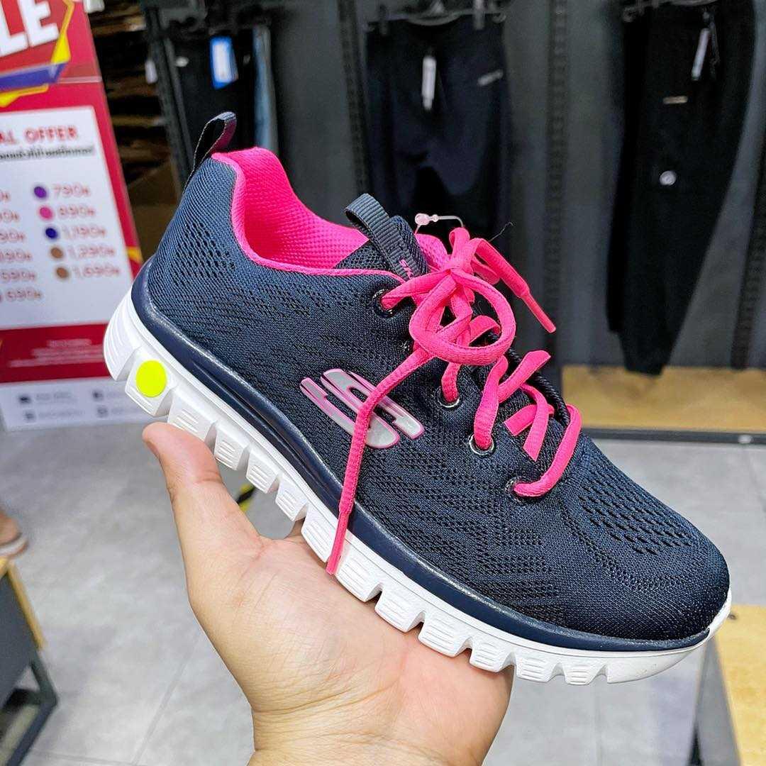 รองเท้า Skechers ลดราคา 2021